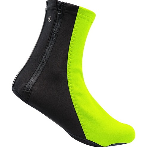I'm tying to buy the thermo shoe covers. How do i know what size to buy? There is no size guide.